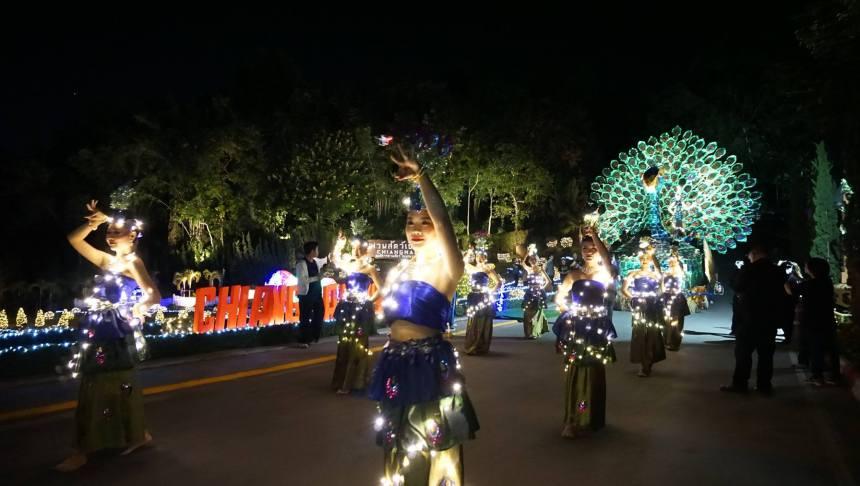ChiangMaiZooCarnival2017Photo2.jpg