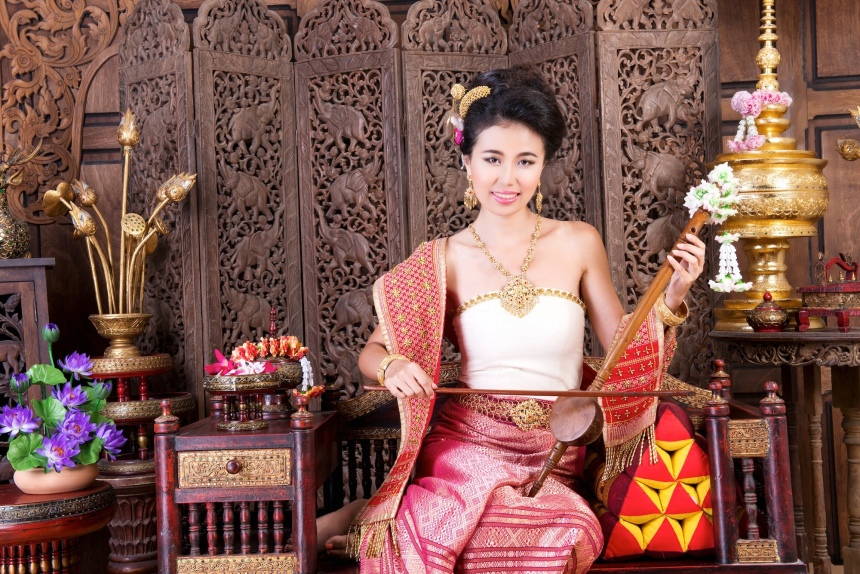 Séance photo Kad Suan Kaew (notre hôte Chinoise francophone).JPG